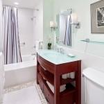 168 Waverly Upstairs Bath